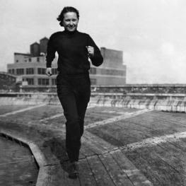 Betty Robinson running